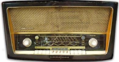 RADIO Grunding ZAU3ERKLANG3068 HF ANNO 1956-57